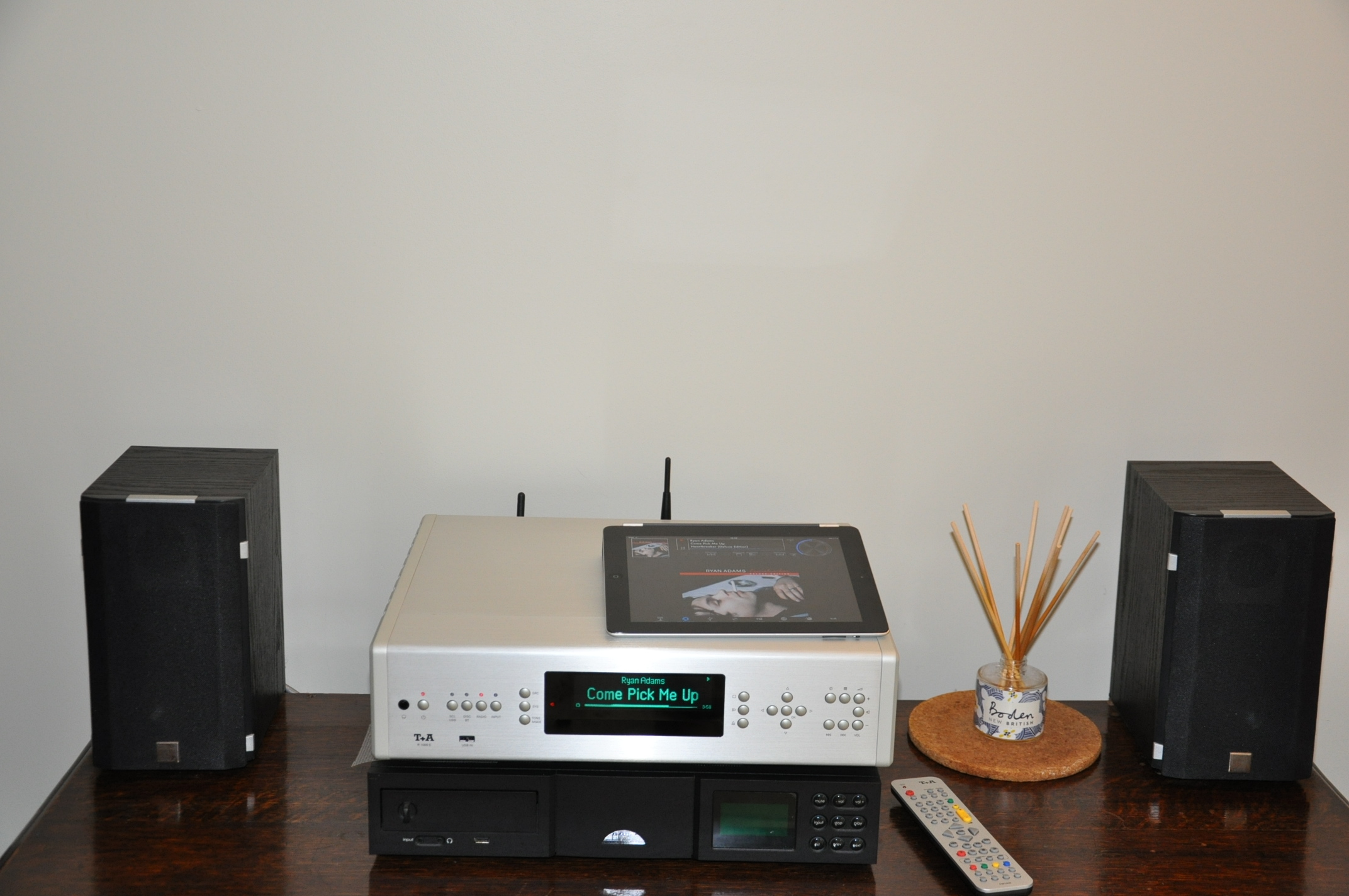 t a r 1000 e music receiver review hifi and music source. Black Bedroom Furniture Sets. Home Design Ideas