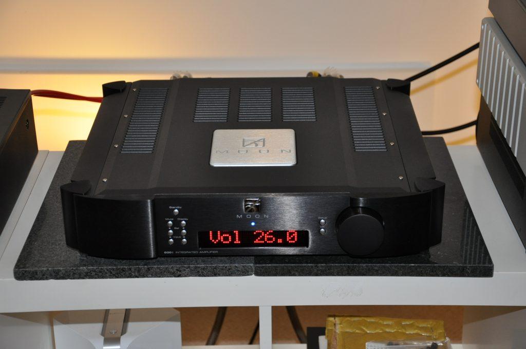 MOON 600i v2