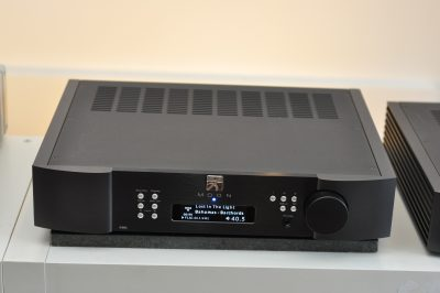 MOON 390 Streaming Pre-amplifier
