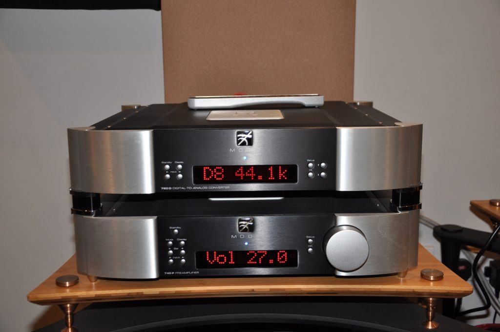 MOON Announce High End 700i amp and 780D v2 streaming DAC