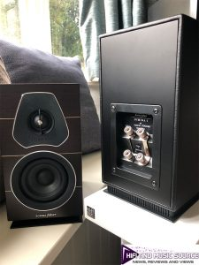 Sonus faber Lumina I front and rear on HiFi Racks X50 stands